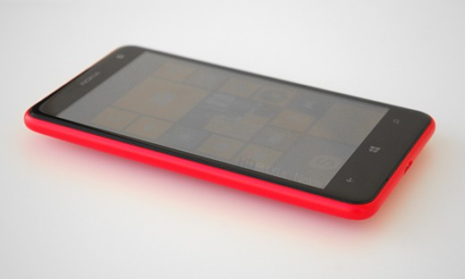 Lumia 625: disponibile la custom ROM installabile con