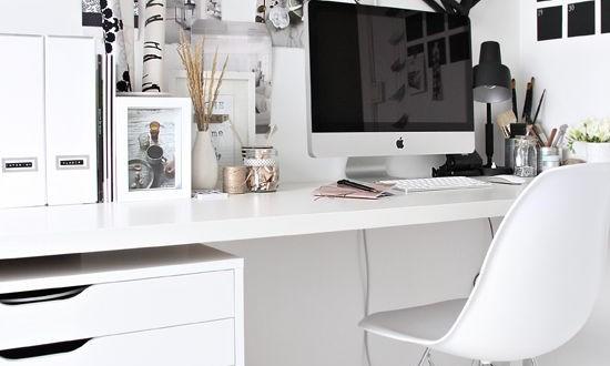 Postazione Computer In Salotto.Ikea Hackers Cinque Idee Per Nuove Postazioni Pc Hdblog It