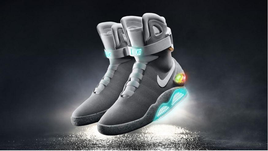 Nike Adapt BB: la scarpa si allaccia da sola e si adatta