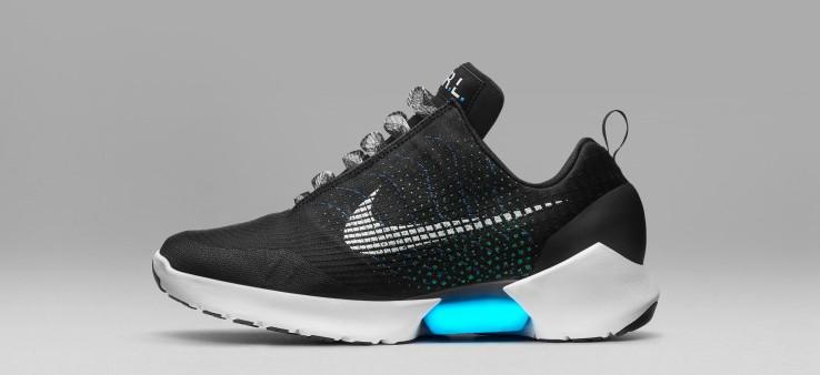 Nike ha appena presentato le prime scarpe autoallaccianti - HDblog.it 0924b18bcfc
