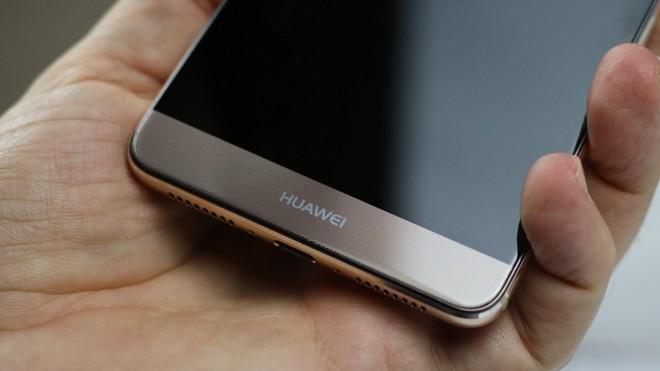 Huawei Mate 9 (no brand) riceve patch di novembre e GPU Turbo in Italia - image  on https://www.zxbyte.com
