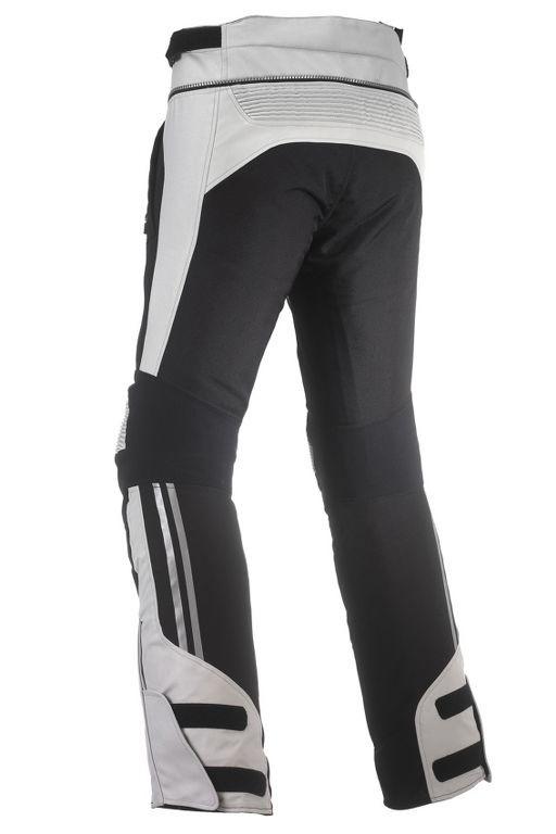 Il pantalone si connette alla giacca tramite una zip e costa 279.90EUR  nella versione da uomo e 269.90EUR in quella da donna. e947b4c8c03c