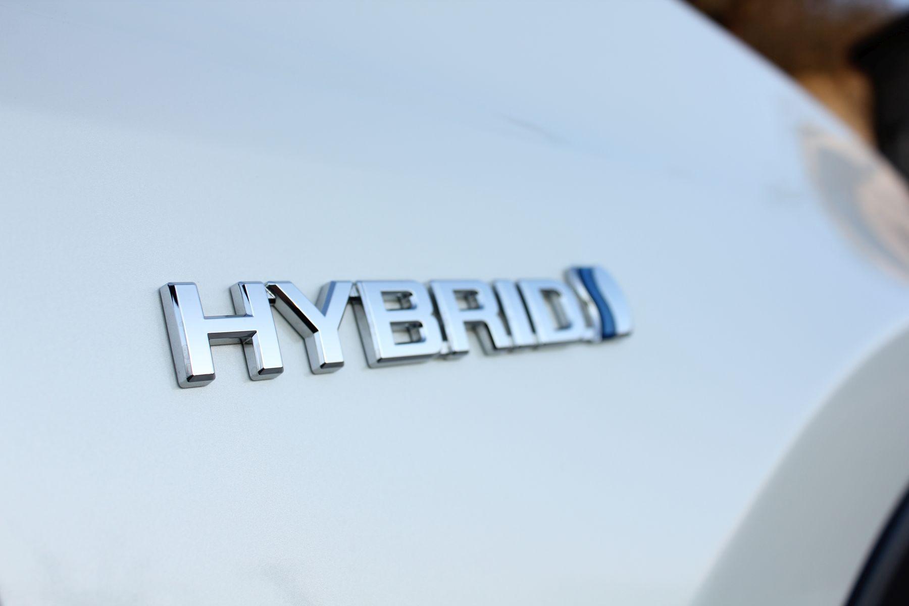 Toyota condivide 24.000 brevetti per l'auto elettrificata