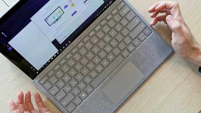Microsoft cancella Surface Plus, programma per rinnovare il prodotto ogni 18 mesi - image  on https://www.zxbyte.com