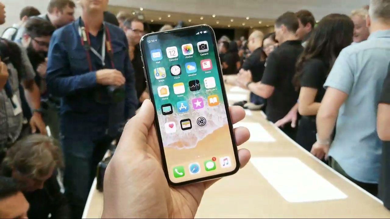 Quanto costa un iphone in inghilterra