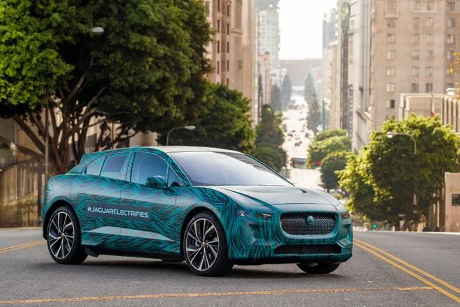 ff088b15ad84 A pochi mesi dal debutto ufficiale (che dovrebbe avvenire a marzo al Salone  di Ginevra), Jaguar I-PACE si mostra nei primi listini ufficiali comunicati  dal ...