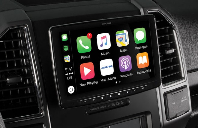 alpine presenta un 39 autoradio 1 din con schermo da 9 39 39 carplay e android auto. Black Bedroom Furniture Sets. Home Design Ideas