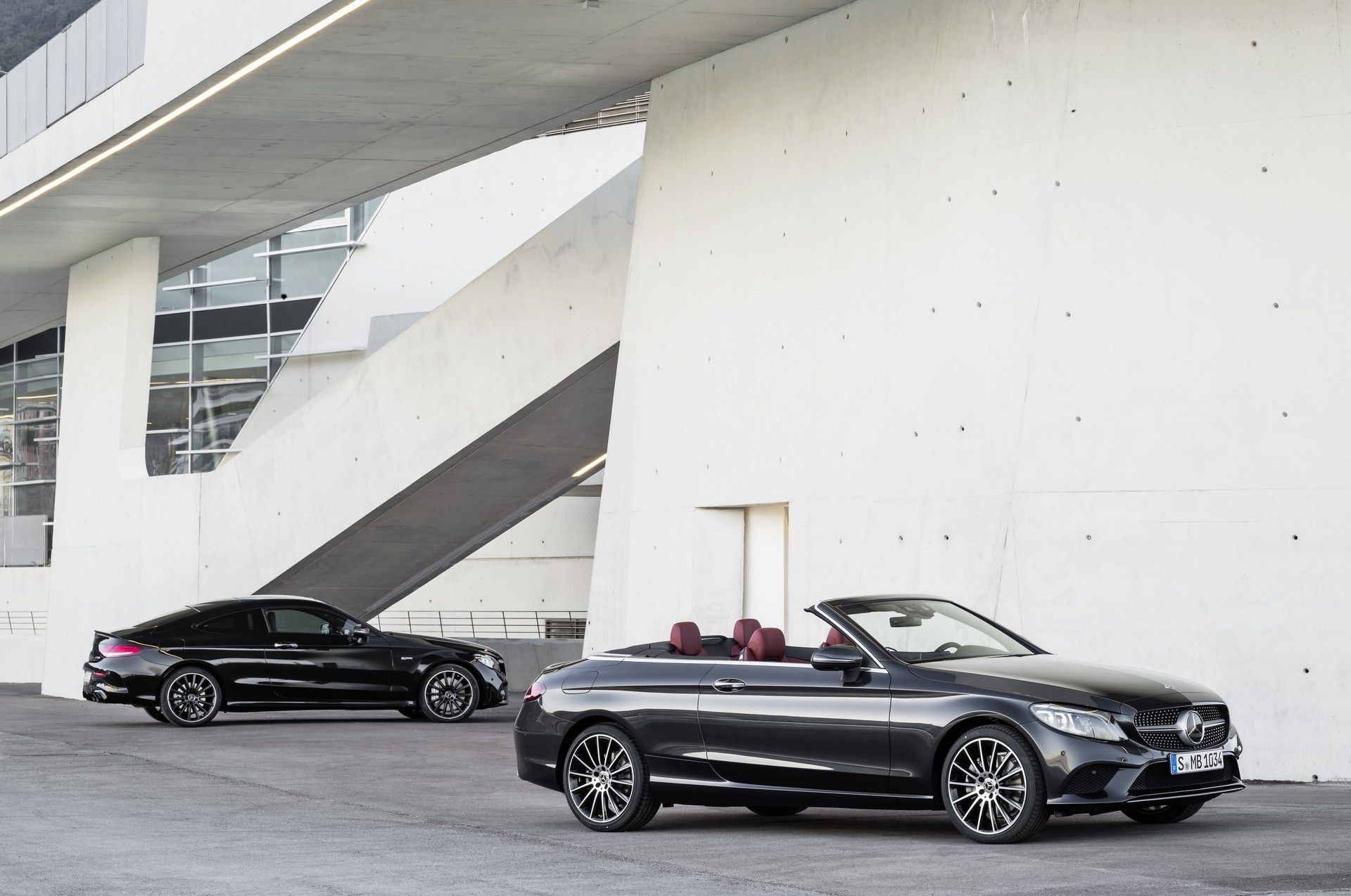 Potenza e fascino: ecco le nuove Mercedes C43 AMG coupé e cabriolet