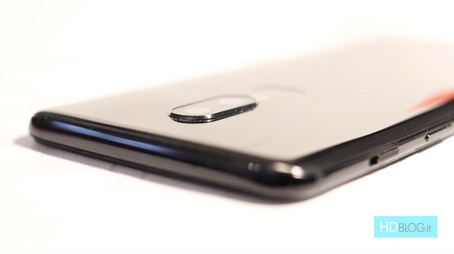 OnePlus 6: un milione di unità vendute in appena 22 giorni - image  on http://www.zxbyte.com