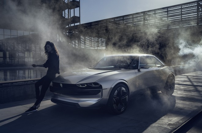 Peugeot E Legend Concept Elettrica A Guida Autonoma Fra Hi Tech E