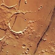 Marte: ecco alcune straordinarie immagini delle fossae del pianeta rosso