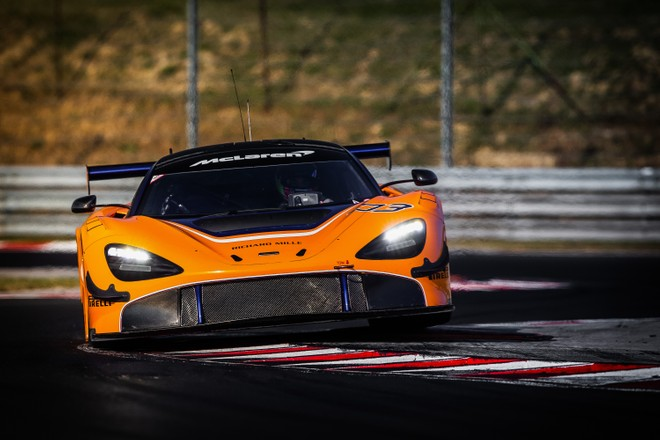 McLaren 720S GT3, debut in Abu Dhabi at the 12 Hours of the Gulf