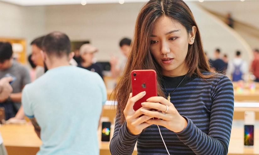 Apple  HSBC taglia nuovamente le stime e mette in dubbio la politica dei  prezzi fe477f25a6c