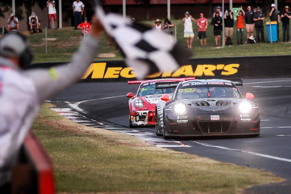 ec56d8f11 In una gara caratterizzata da Safety Car e ripartenze a causa di incidenti  Porsche ha dimostrato di avere tutte le credenziali per vincere nel tratto  misto.