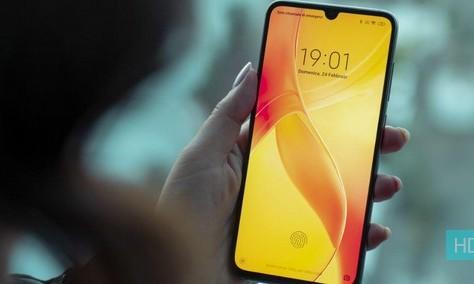 61dba8ad0 Xiaomi Mi 9 in offerta su Amazon al miglior prezzo: 341 euro 6/64GB ...