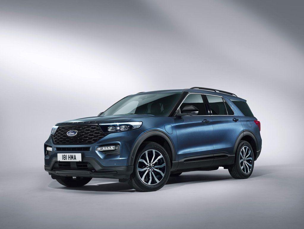 Nuova Ford Kuga: il SUV in tre varianti elettrificate