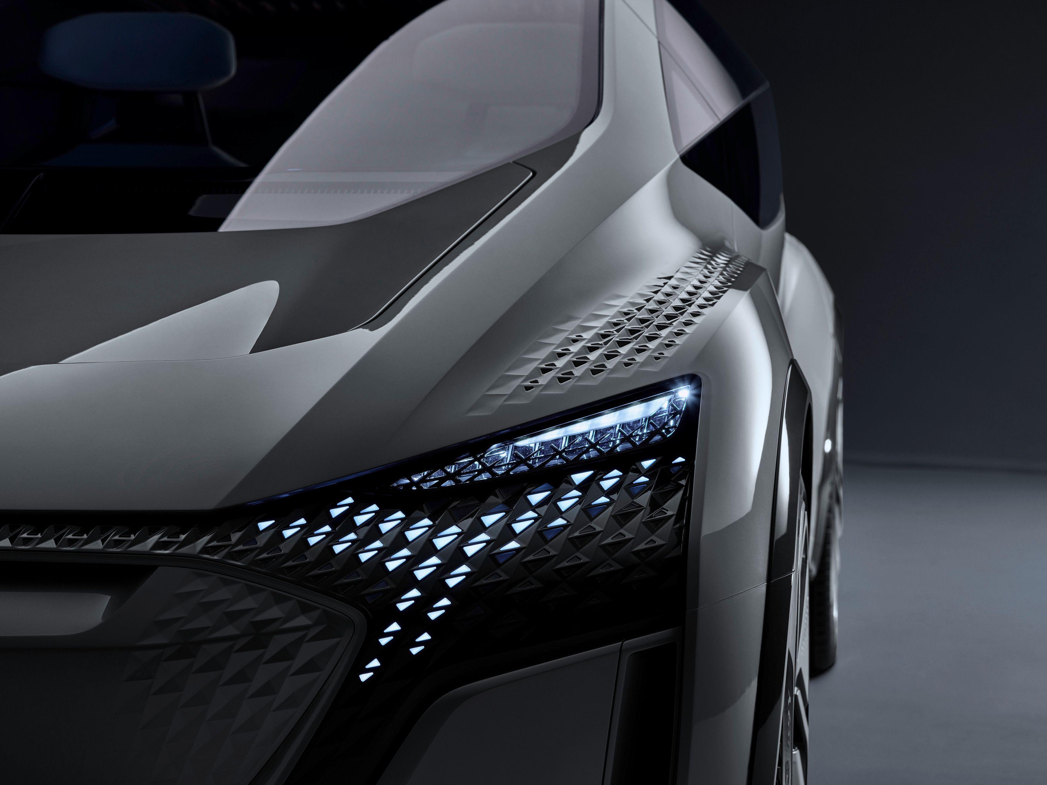 Audi AI:ME, il concept della monovolume a propulsione elettrica