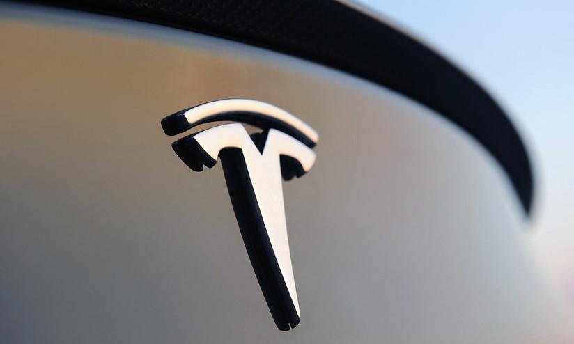 Tesla sta sviluppando le proprie batterie per veicoli
