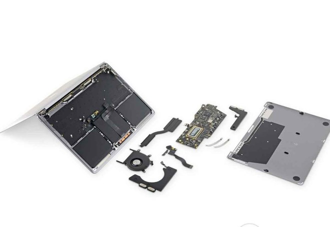 MacBook Pro 13, ecco l'analisi di iFixit - image  on https://www.zxbyte.com