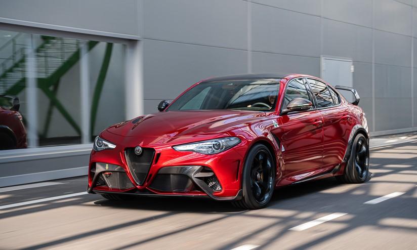 Risultato immagini per Alfa Romeo Giulia GTA